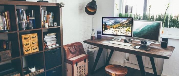 Schreiben am Schreibtisch
